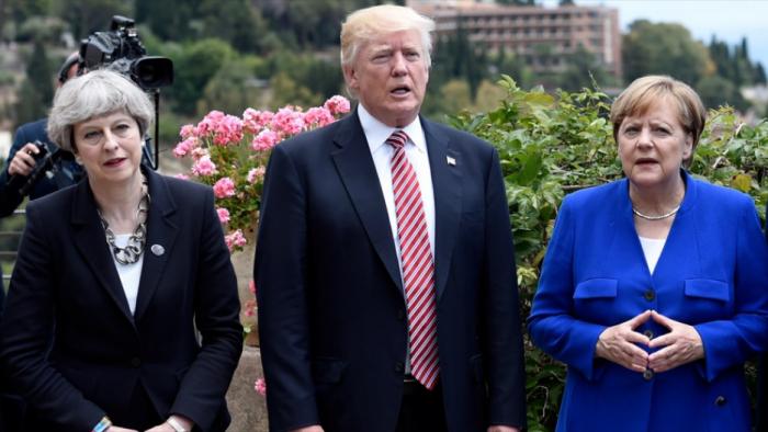 """Tramp Meyi qorxudub, Merkeli isə """"axmaq"""" adlandırıb"""