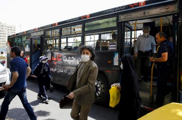 Virus en Iran: 3.000 nouveaux cas en 24h, un pic inédit depuis deux mois