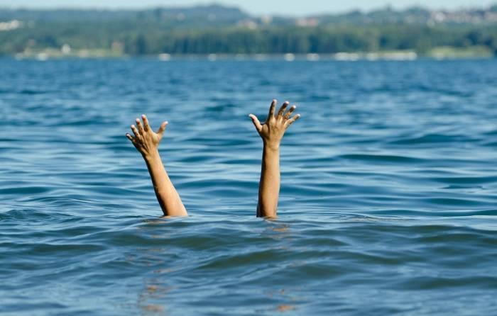 Qusarda iki nəfər su kanalında batıb