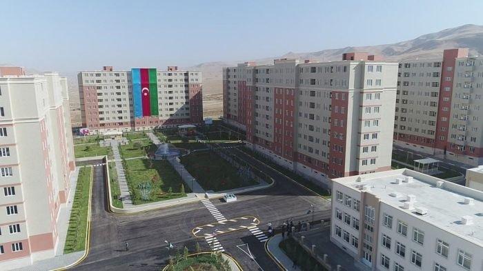 """""""Qobu park 3"""" yaşayış kompleksinə köçürülmə başladı"""