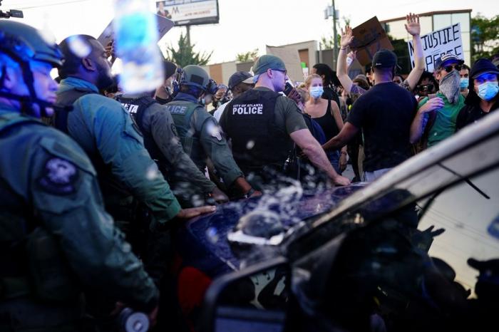 ABŞ-da etirazçılara atəş açıldı:  Ölən və yaralılar var