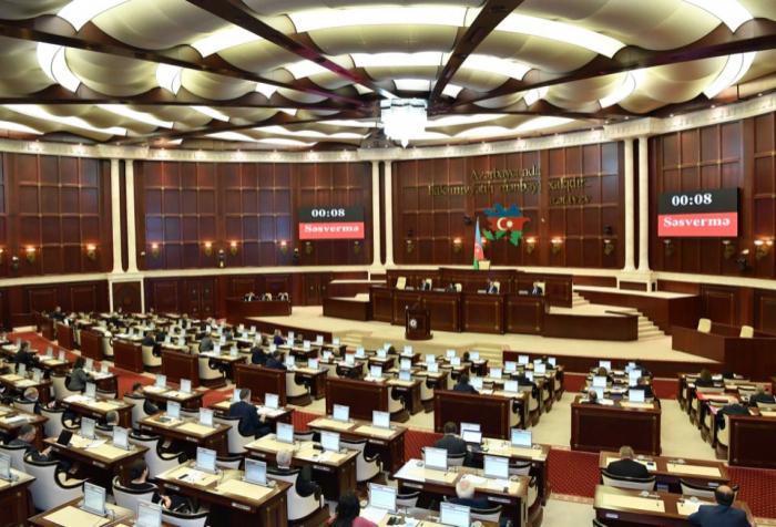 Parlamentin növbəti iclasının gündəliyi -