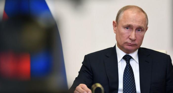 """Putin:  """"Rusiyada epidemiya geriləyir"""""""