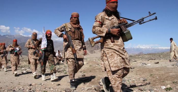 """""""Taliban"""" bir həftədə yüzlərlə hərbçini öldürdü"""