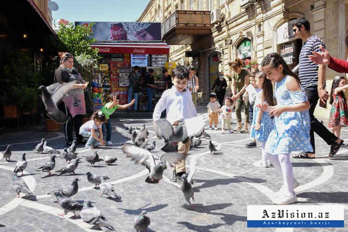 Karantində uşaqların 1 iyun sevinci -    FOTOREPORTAJ
