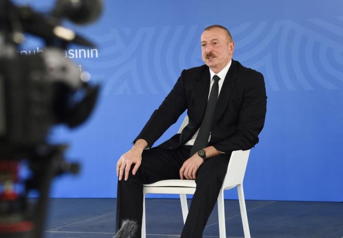Presidente: Estamos esperando otras declaraciones del Grupo de Minsk, concretas, queremos escucharlas