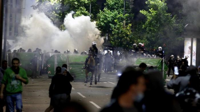Viele Verletzte bei Ausschreitungen in Belgrad