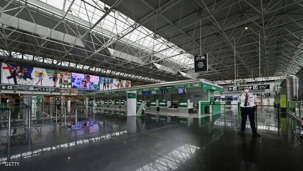 إيطاليا تحظر دخول مسافرين من 13 بلدا بسبب كورونا