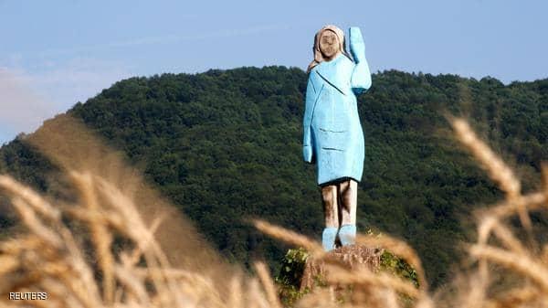 حتى سيدة أميركا الأولى لم تسلم..مجهولون يحرقون تمثال ميلانيا