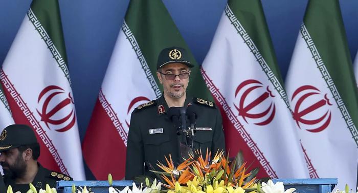 """رئيس أركان الجيش الإيراني يوجه من سوريا """"رسالة قوية"""" إلى تركيا"""