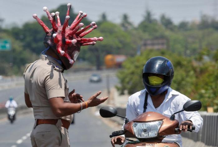 Hindistanda 52 mindən çox yeni yoluxma aşkarlandı