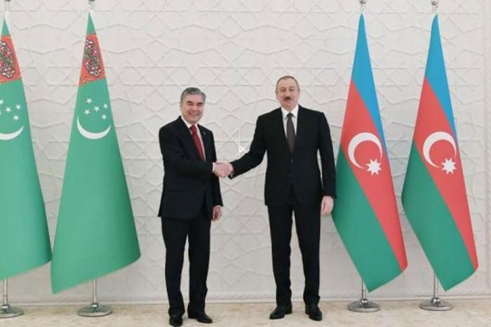 مكالمة هاتفية بين رئيسي أذربيجان وتركمانستان