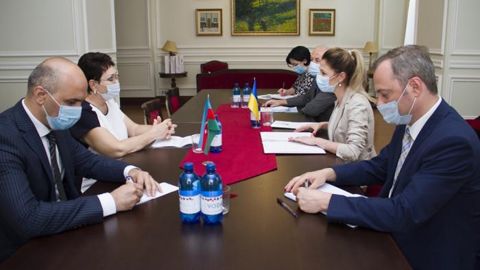 La cooperación entre Azerbaiyán y Ucrania en el seno de las organizaciones internacionales es de alto nivel