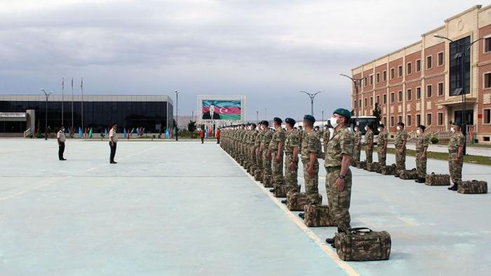 Un groupe de militaires azerbaïdjanais de maintien de la paix en Afghanistan regagne la patrie -   PHOTOS