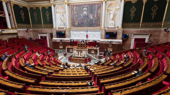 Coronavirus en France:   le Parlement donne son feu vert à la sortie de l