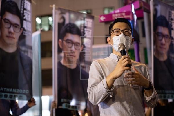 Un motorista que atropelló a policías, primer acusado bajo la ley de seguridad de Hong Kong