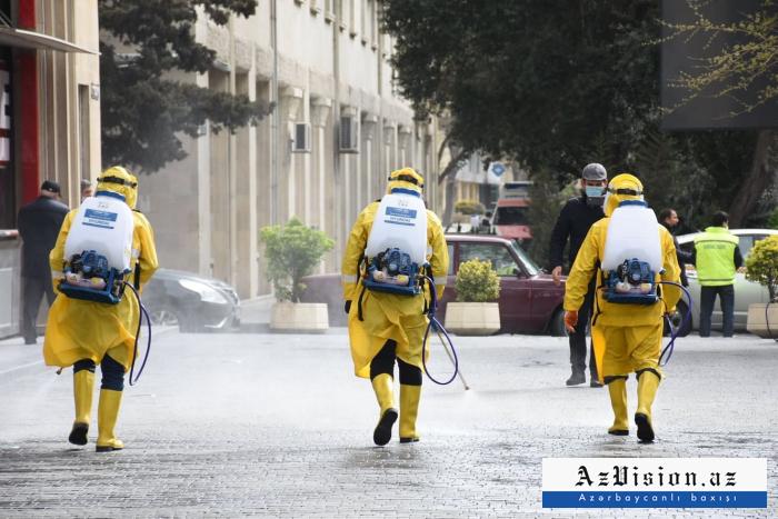 Las calles de Bakú son desinfectadas de nuevo