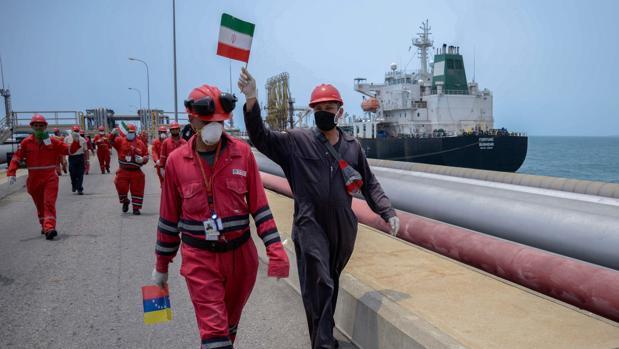 Un juez de EE.UU. autoriza a Trump que se incaute de gasolina iraní que va a Venezuela