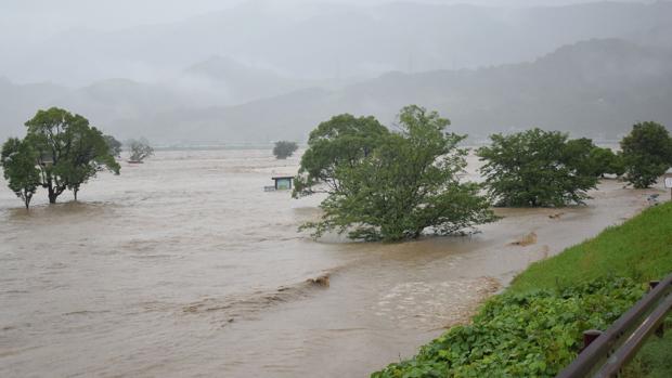 Al menos quince muertos y nueve desaparecidos por las fuertes lluvias en Japón
