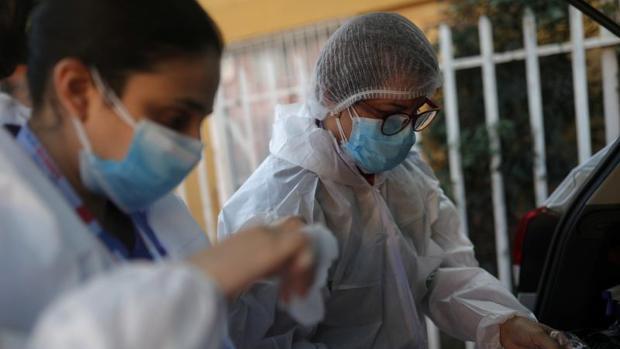 Chile supera los 6.000 muertos por coronavirus: «Nos está azotando brutalmente»