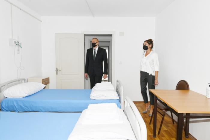 Prezident və birinci xanım modul tipli hospitalın açılışında -  FOTOLAR (YENİLƏNİB)