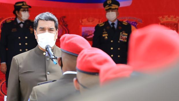 Maduro aumenta el número de diputados para arrebatarle la mayoría a la oposición
