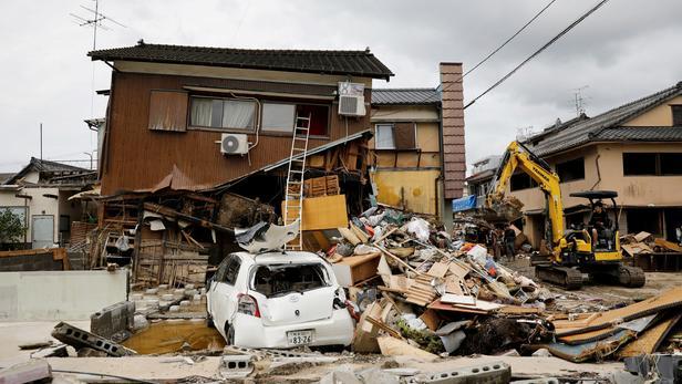 Inondations au Japon: au moins 55 morts, pluies records dans le centre