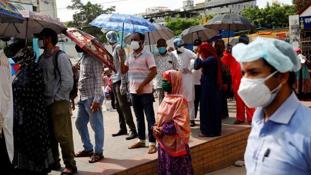 Llegan a Roma 36 contagiados de coronavirus desde Bangladesh con certificados de test falsos