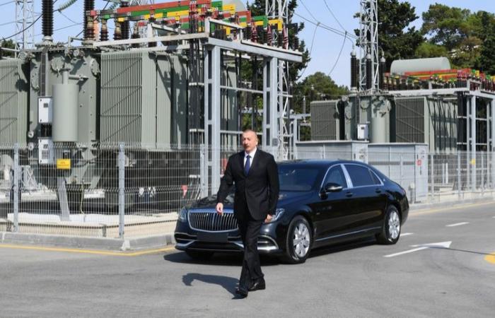 Präsident Ilham Aliyev nimmt an der Eröffnung des rekonstruierten Umspannwerks im Bezirk Nizami teil