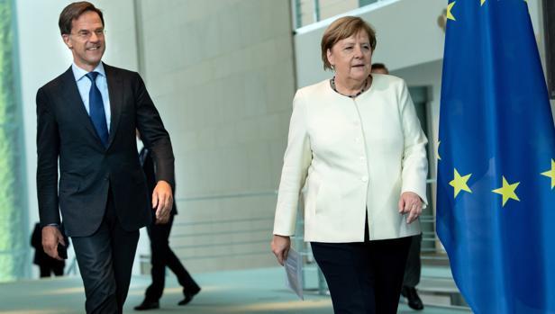 Holanda presiona a Merkel para condicionar el Fondo de Reconstrucción a reformas estructurales