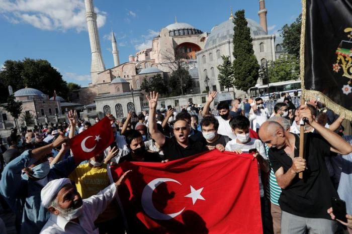 Turquía:   Se allana el camino para el culto en Santa Sofía