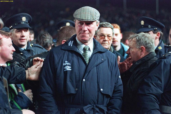Jack Charlton: England World Cup winner and ex-Republic of Ireland boss dies aged 85