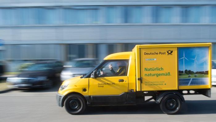 Deutsche Post will rund 12.000 Streetscooter prüfen
