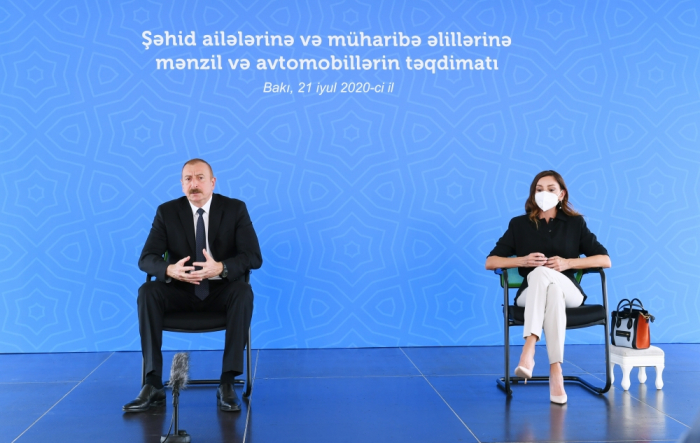 President Ilham Aliyev & First Lady attend ceremony of giving out apartments to  families of martyrs    -   PHOTOS