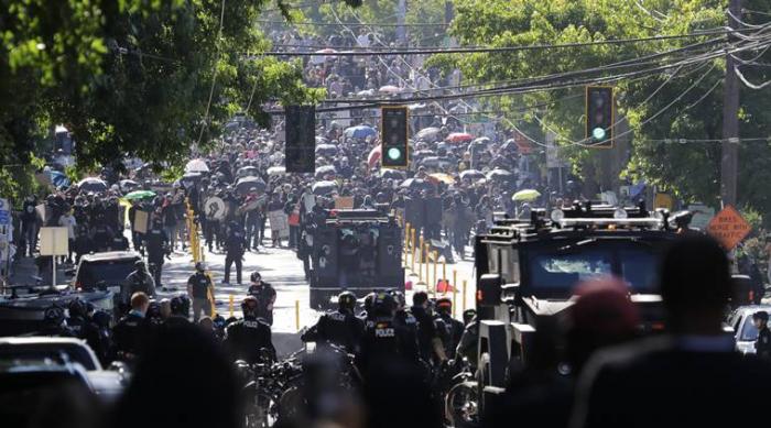 Seattle Black Lives Matter clashes spark 45 arrests, 21 police injured