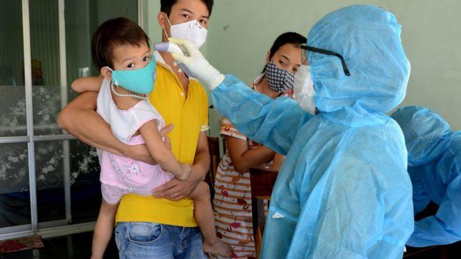Coronavirus: Vietnam alarm after first cases in months