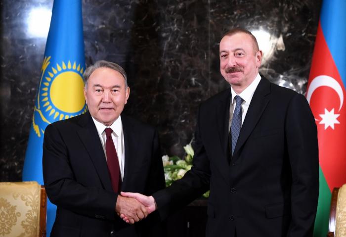 الرئيس الأذربيجاني يتصل بالرئيس الكازاخي الاول