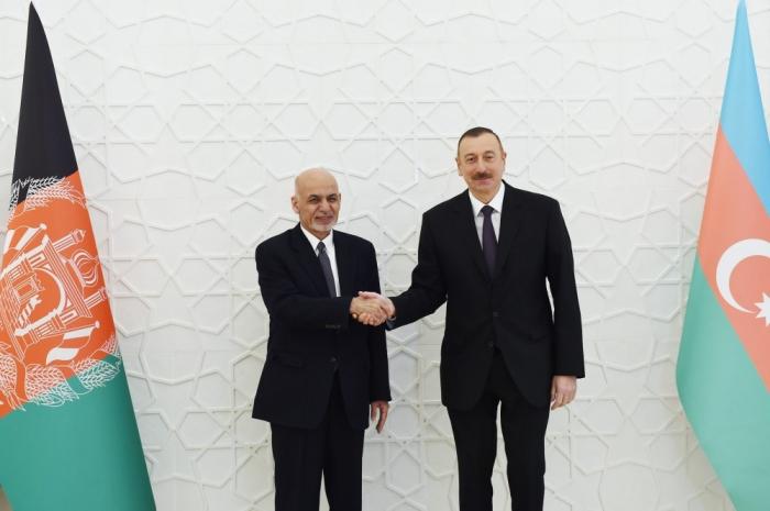 """أشرف غني يتصل هاتفيا بالرئيس إلهام علييف:  """"أفغانستان تدعم أذربيجان"""""""