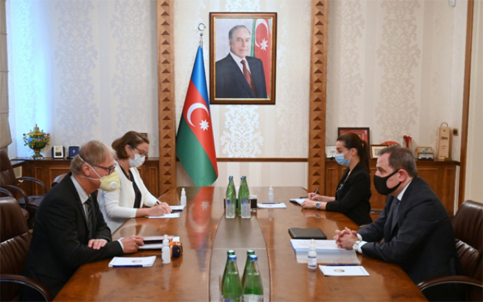 Aserbaidschanischer Außenminister empfängt deutschen Botschafter