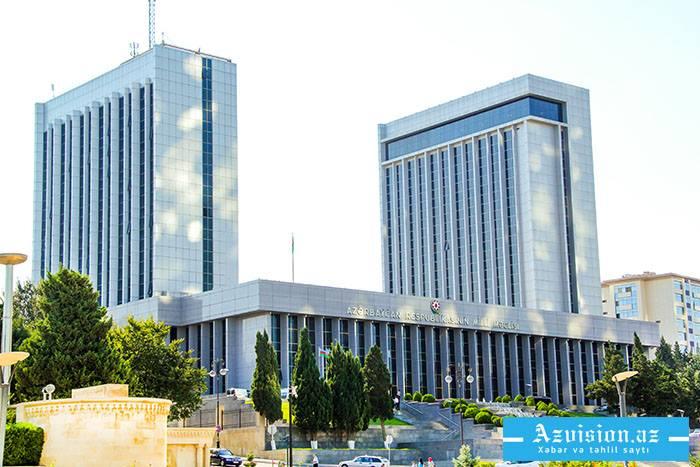 Das aserbaidschanische Parlament erhält einen Gesetzentwurf über Änderungen des Staatshaushalts