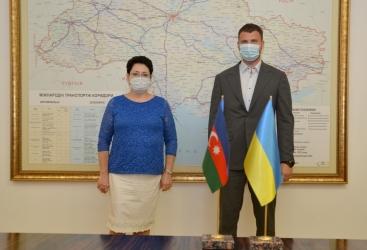 Ucrania está interesada en ejecutar proyectos económicos conjuntos con Azerbaiyán