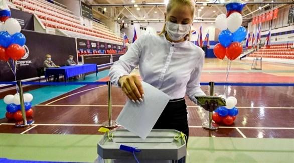 الروس يصوتون على استفتاء يمكن بوتين من البقاء في السلطة حتى 2036