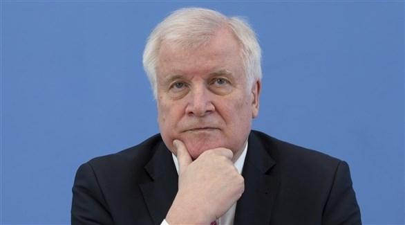 """وزير داخلية ألمانيا: التعامل مع المهاجرين القادمين في قوارب """"مهين"""""""
