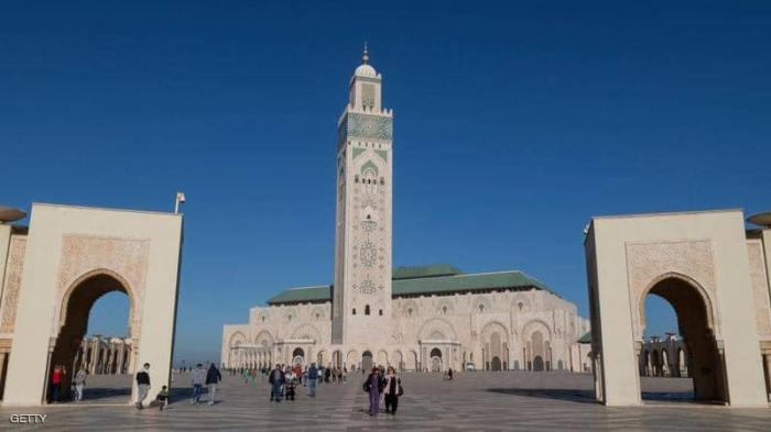 المغرب يعيد فتح المساجد ويستثني صلاة الجمعة