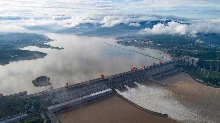 China on highest flood alert as 38m people evacuated