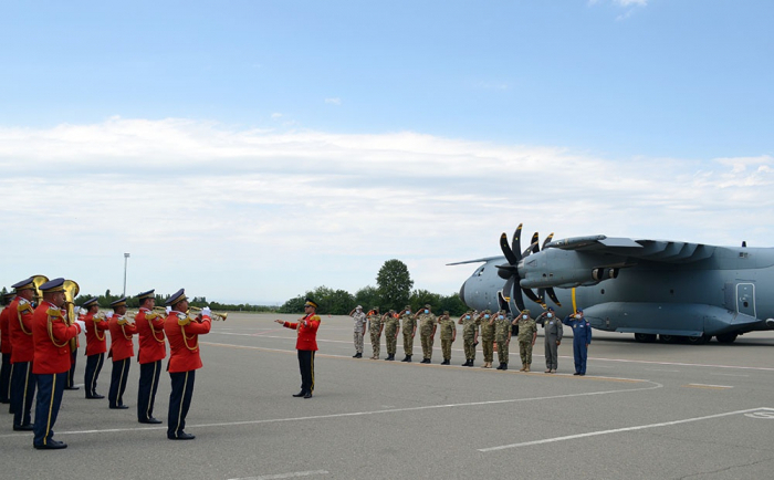Türkische Soldaten in Ganja angekommen-   VIDEO