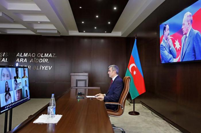 Vusal Huseynov met with volunteers via video conferencing