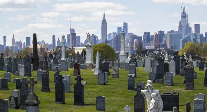 مقبرة أمريكية تقدم للفنانين عرضا مغريا للسكن فيها