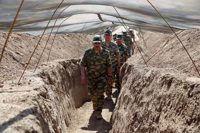 Le ministre azerbaïdjanais de la Défense visite les principales unités militaires -   VIDEO - PHOTO