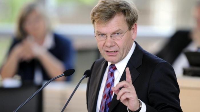 Deutsche Politiker fordern Stärkung der Rechtsstaatlichkeit in Polen